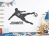 tjapalo s-pkm403 Wandtattoo Junge mit Namen Wandtatoo Fussball mit Namen und Wunschnummer (B100 x H58 cm)