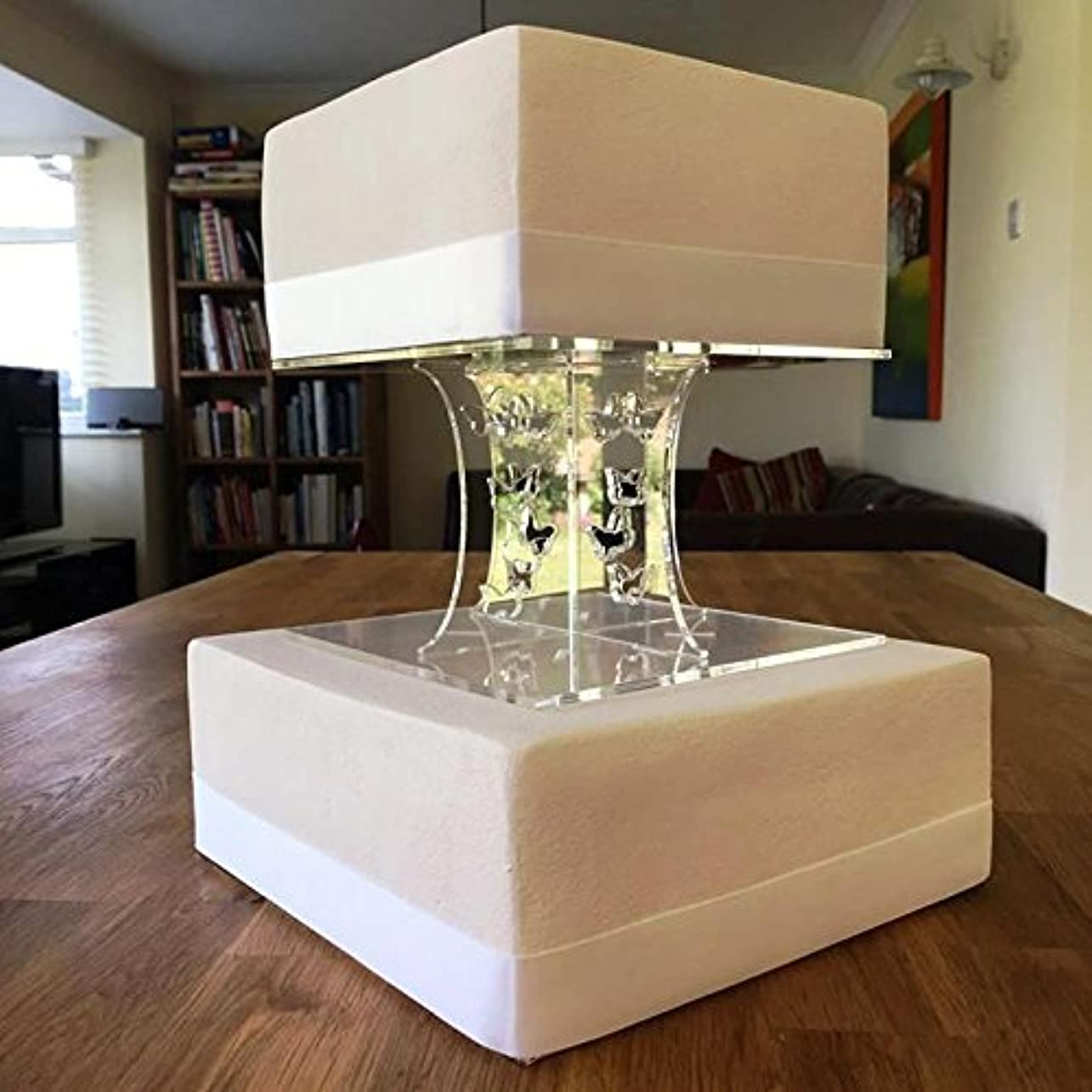 病気の仮装サイクロプスケーキPillars Squareバタフライ Base 18 cm, Top 15 cm クリア SCC-Cake-Pillars-SQ-BT-Clear-18X15