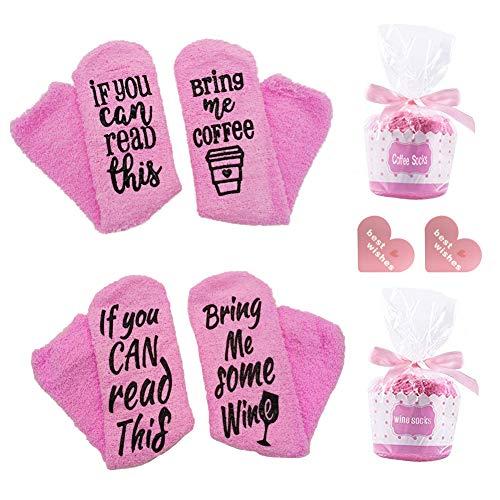 SwirlColor Wein Socken, Pink Wine Socken Wenn Sie Dies Lesen Können Bringen Sie Mir Wein/Kaffee Lustige Weiche Warme Flauschige Socken 35x9cm im Cupcake-Paket für Damen, 2 Paar, mit Grußkarte 2-TLG