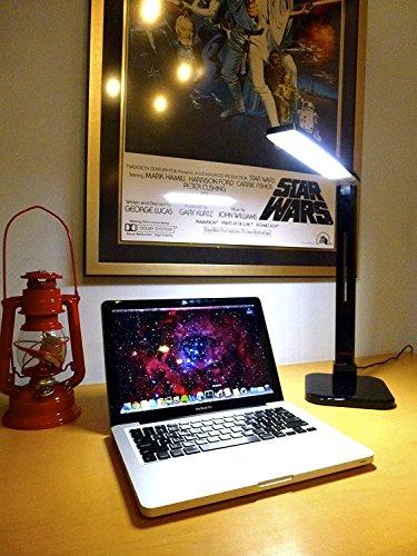 Lumiy - Lámpara LED de escritorio Lightblade 1500S (Serie 2) con el mejor brillo de su clase a 1500 lux y reproducción de color a 93 CRI, cabeza giratoria, controles táctiles cautivos para brillo y temperatura de color