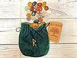 Set de runas de cristal con símbolo de adivinación y runa con significado | Bolsa de terciopelo suave verde oscuro con cordón | Herramienta de adivinación perfecta lectura psíquica