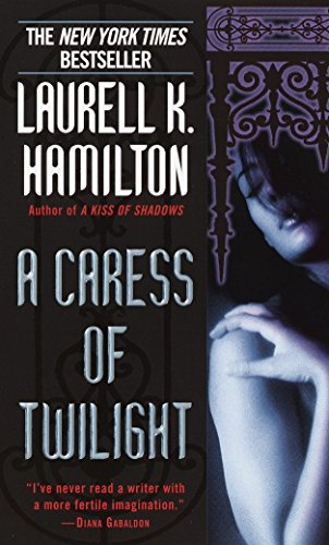 A Caress of Twilight (Meredith Gentry, Book 2)