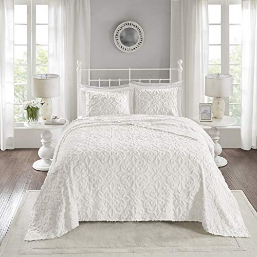 Madison Park Chenille Tufted 100% Cotton Quilt All Season, Lightweight, Breathable Coverlet Bedspread Bedding Set, Matching Shams, Oversized King/Cal King(120'x118'), Sabrina, White