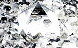 画像:クリスタルピラミッド:気を増幅させてくれるクリスタル✡ピラミッドは宇宙エネルギーを取り入れ安定させてくれる幾何学的な形・角度です。