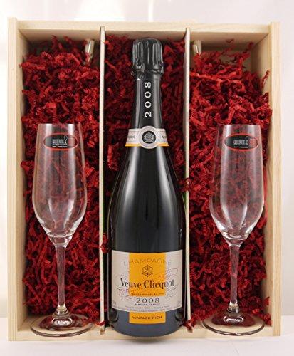 Veuve Clicquot Brut Champagne Rich Reserve 2008 with Two Riedel Crystal Champagne Flutes en una caja de madera con cuatro accesorios de vino