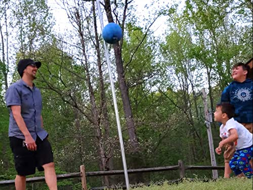 FV Family Do It Yourself Game! Tetherball At The Farm And Coyote Blocking Project