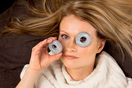 パソコン作業で目が疲れた時、目の上に置いて数分間置いて使います。ストーンの適度な重さで、目元の緊張がほぐれてリラックスできる仕組みです。温めたり、冷やしたりしても使えます。