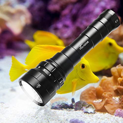 Volador Tauchlampe, 6000 Lumen Tauchen Taschenlampe, 4 Modi Unterwasser Taschenlampe, Unterwasser 150M Wasserdicht, Wiederaufladbar Submarine Licht mit 2X 26650 Akku und Ladegerät