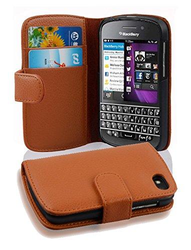 Cadorabo Hülle für BlackBerry Q10 in Cognac BRAUN – Handyhülle aus Strukturiertem Kunstleder mit Standfunktion & Kartenfach – Hülle Cover Schutzhülle Etui Tasche Book Klapp Style