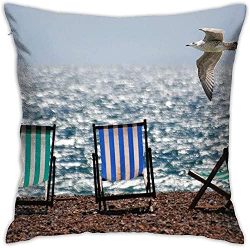 Fodere per cuscini Gabbiano in volo su sedie a sdraio sulla spiaggia Federa quadrata 18 * 18 pollici Federa per divano e cuscino per letto
