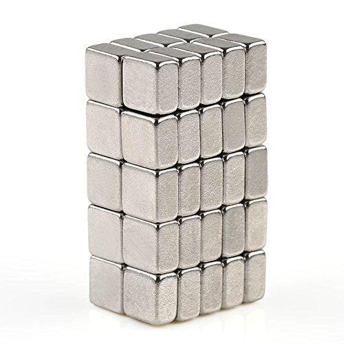 OMO Lot de 50 aimants en néodyme N35 carrés, en forme de cube puissant, de nombreuses tailles disponibles (5 x 5 x 3 mm)