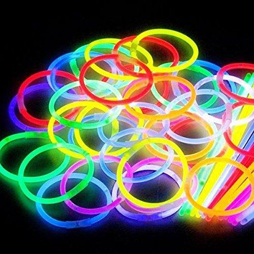 Glow - 100 Bracelets stick lumineux,différentes couleurs,100 connecteurs bracelets/colliers,5 paires de connecteurs lunettes,1 kit fleur/balle lumineuse,5 barettes à cheveux