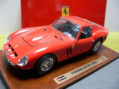 1/18 Burago Ferrari 250 GTO 1962 rot auf Wurzelholzplatte 3511