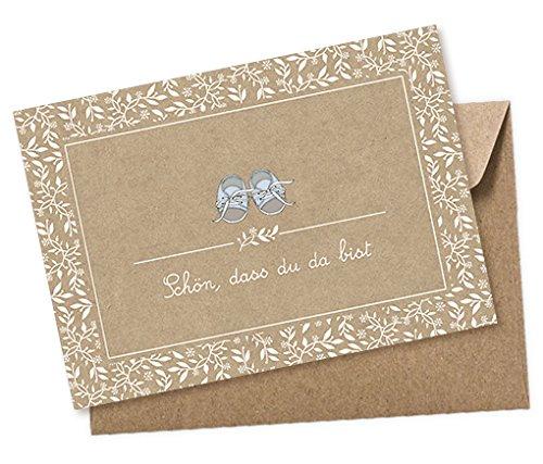 1 POSTKARTE Glückwunschkarte SCHÖN, DASS DU DA BIST SCHUHE BLAU • WEIß gedruckt auf Kraftpapierkarton • Beschreibbar mit weißem wasserfestem Marker • Babykarte Geburt • 1 brauner Umschlag