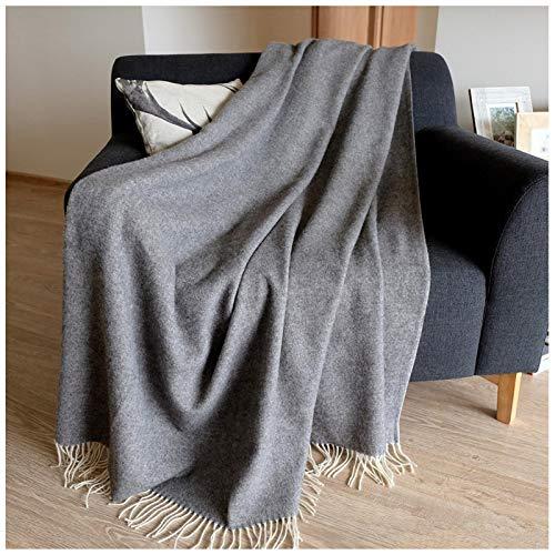 Linen & Cotton Klassische Decke Wolldecke Merino Wolle Wohndecke Kuscheldecke STONEWOLD mit Fischgrätenmuster -100% Merinowolle, Grau (140 x 200 cm) Sofadecke Tagesdecke Überwurf Schurwolle Plaid Sofa