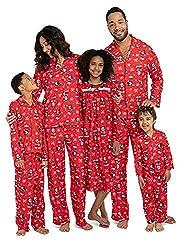 6f9d2c4384 10 Photo-Worthy Matching Disney Pajamas for Christmas (Nov. 2018)