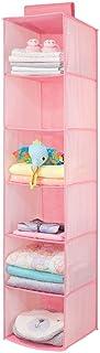 mDesign Organizador de ropa de fibra sintética – Repisa colgante con 6 estantes de tela para el cuarto de los niños – Colgador de armario para guardar mantas, pañales y ropa infantil – rosa