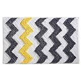 iDesign Chevron Duschvorleger, rutschfeste & schnelltrocknende Badmatte aus Microfaser-Polyester mit Zickzack-Muster, grau/gelb