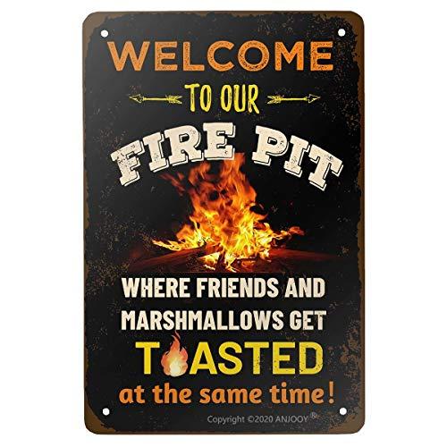 ANJOOY Cartel de metal vintage divertido para acampar – Welcome to Our Fire Pit Where Friends and Marshmallows Get Toasted – póster de decoración retro de 8 x 12 pulgadas