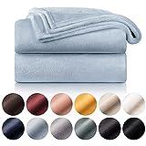 Blumtal Mantas para Sofá de Franela Suave y Acolchada - Manta Polar 100% Microfibra Extra Suave, Manta de sofá, de Cama o de Sala de Estar, Azul Claro, 150 x 200 cm