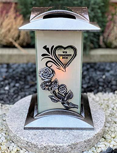 """Grablampe mit Beschriftung - """"Wir Vermissen Dich"""" Grablicht Kerze Grabkerze Grabdekoration Grabschmuck Gartenlampe incl.Grabkerze"""