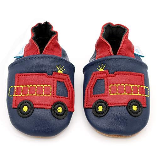 Dotty Fish weiche Leder Babyschuhe mit rutschfesten Wildledersohlen. 0-6 Monate (18 EU). Marine und rotes Feuerwehrauto Design für Jungen. Kleinkind Schuhe.