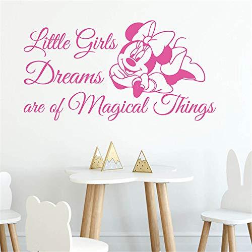 De droom van een klein meisje is ongelooflijk. Muurtattoo voor kinderkamer cartoon muis muursticker boven het bed