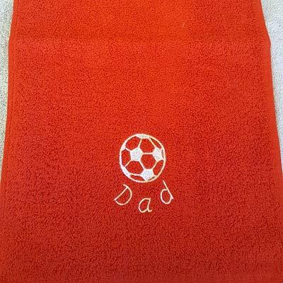 personalisierbar Frottee Fußball Sport Handtuch bestickt mit Namen eine gewölbte personalisierbar–50x 30cm, 100 % Baumwolle, rot, 50x30cm