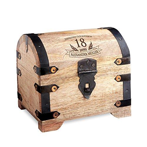 Casa Vivente Schatztruhe mit Gravur – Zum 18. Geburtstag – Personalisiert mit Namen – Aufbewahrungsbox aus hellem Holz – Verpackung für Geld und Gutscheine – Geschenkidee zur Volljährigkeit