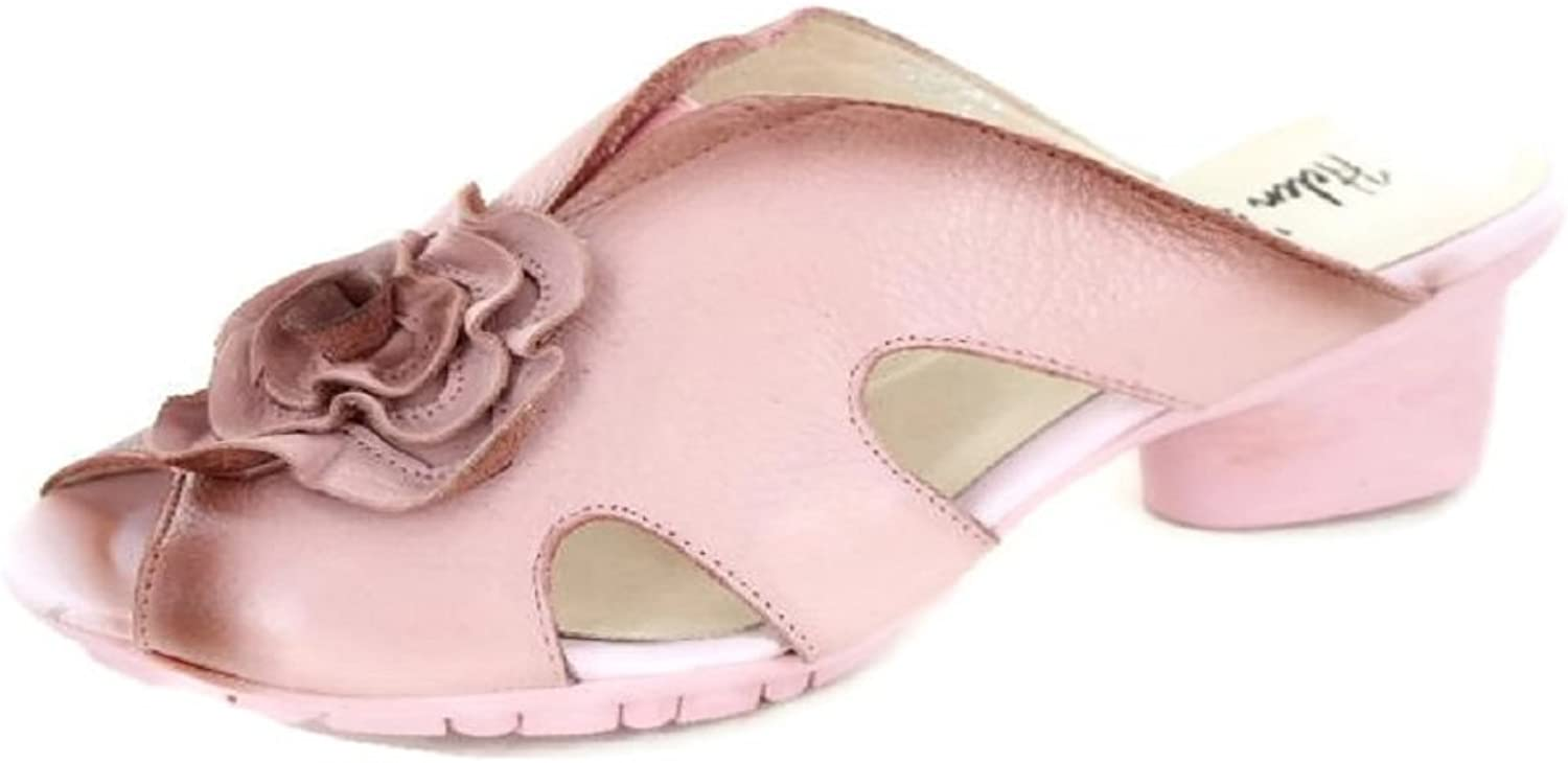 Flexible Pink leather shoe with rubberized sole featuring floral cut detail sizes 8 & 9 only
