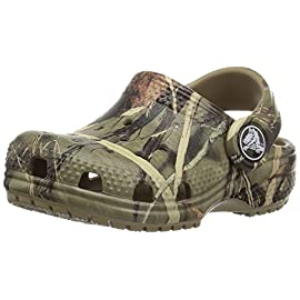 Crocs Unisex-Child Classic Realtree Clog | Camo Slip on Water Shoes 1 CAMO CROCS FOR KIDS: The perfect footwear for any outdoorsy kid These are the Crocs kids need for the full Realtree camouflage treatment LIGHTWEIGHT and FUN: These kids' Crocs are incredibly light and fun to wear This is the perfect pair of Crocs for kids when camping or running around the backyard VERSATILE AND COMFORTABLE: Incredibly light and easy to wear, these girls' and boys' Crocs are created with Croslite foam for Iconic Crocs Comfort The flexible material is sure to be loved by all