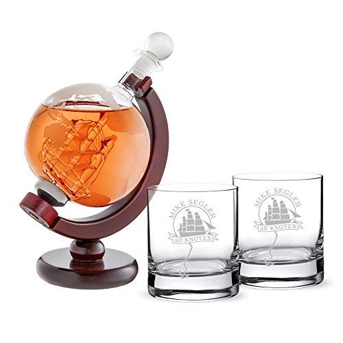 AMAVEL Set Rumkaraffe Globus und 2 Rumgläser mit Gravur, Segelschiff, Personalisiert mit Namen und Alter, Karaffe mit luftdichtem Verschluss