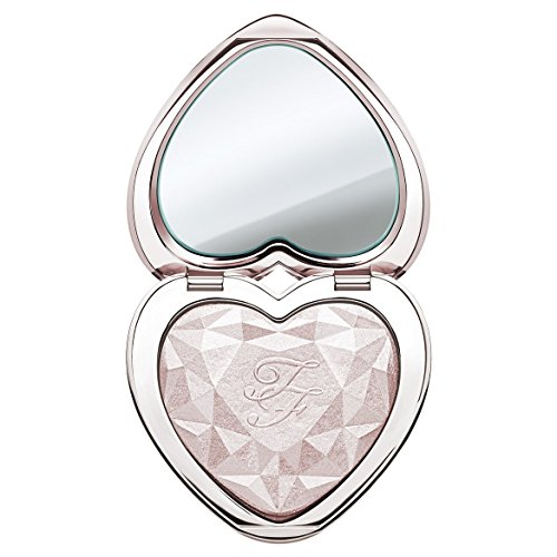 Too Faced Love Light - Iluminador prismático Blinded by the light, tono champán