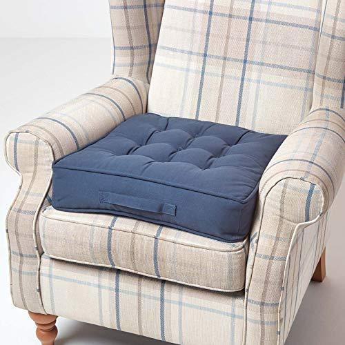 Homescapes orthopädisches Sitzkissen 50 x 50 x 10 cm – extra hoch, mit Tragegriff, Bezug aus 100% Baumwolle – Sitzerhöhung/Aufstehhilfe, blau/Marineblau