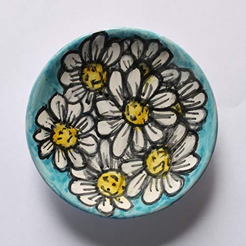 Gänseblümchen-Emaillierte Keramikplatte von Hand verziert, Durchmesser cm 9,7 und hoch cm 2,2, bereit, an der Wand befestigt zu werden-Made in Italy, Toskana, Lucca. Erstellt von Davide Pacini.