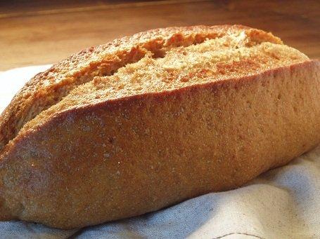 全粒粉100%パン(ドイツパン)    ※≪健康的で?驚くおいしさ≫しかも無添加。(天然酵母です) whole wheat 100% bread 全麥?包100%