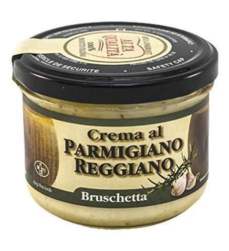 Exquisita bruschetta crema Parmigiano Reggiano Made in Italy