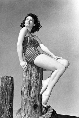 Ava Gardner Leggy Barefoot Swimsuit Model Pose 11x17 Mini Poster