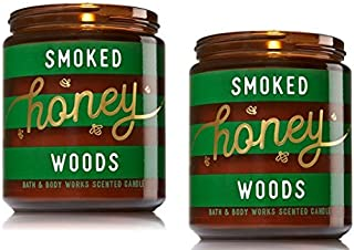 عبوة من 2 شمعة من باث آند بودي مزينة بالعسل المدخن بلون الغابة مقاس متوسط واحد 200 مل.