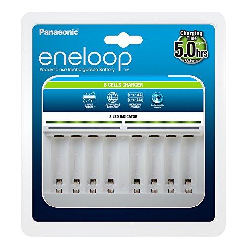 Panasonic eneloop BQ-CC63E Intelligentes Premium-Ladegerät für 8 NI-MH Akkus AA/AAA & Amazon Basics AA-Batterien mit hoher Kapazität, wiederaufladbar, vorgeladen, 8 Stück (Aussehen kann variieren)