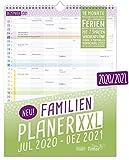 FamilienPlaner XXL 2020/2021 mit 7 Spalten, 33 x 44 cm | Wandkalender für 18 Monate: Juli 2020 - Dezember 2021 | Familienkalender Wandplaner mit Ferienterminen u.v.m. | klimaneutral & nachhaltig