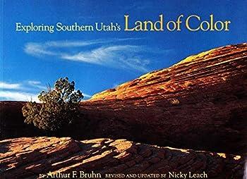 Paperback Exploring southern Utah's land of color Book