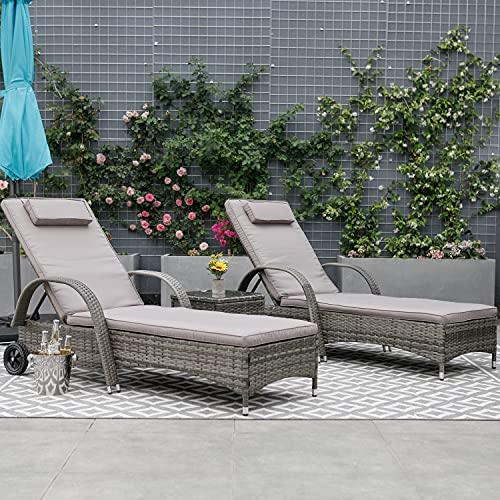 WeCooper 3-teiliges Outdoor-Rattan-Sonnenliegen-Set für die Terrasse, Korbgeflecht, verstellbares Sonnenbett, Couchtisch, leicht rollbar, helles Mokkabraun