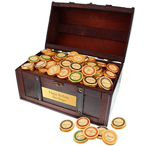 Magnum Schokoladentruhe mit Personalisierung - Das süsse Geschenk zu Weihnachten mit 2,4 kg feiner Schokolade in schöner Holz-Truhe