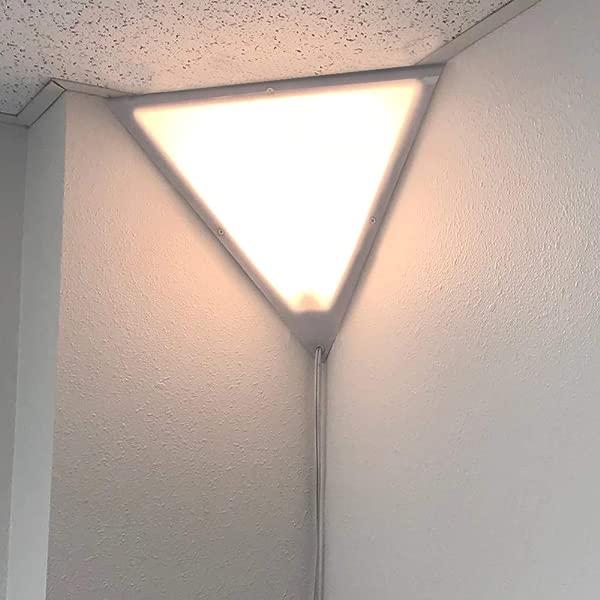 Beacon 16 三角角落吸顶灯插头 17 白色软线由家庭概念在几秒钟内安装完美的公寓宿舍不需要布线