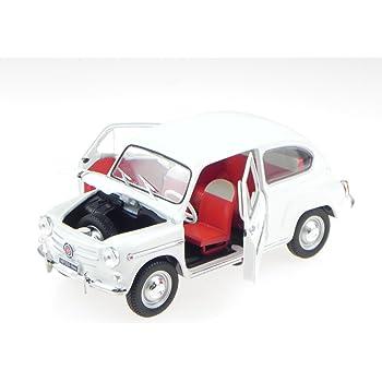 Fiat 500L Nuova weiss Modellauto Welly 1:24
