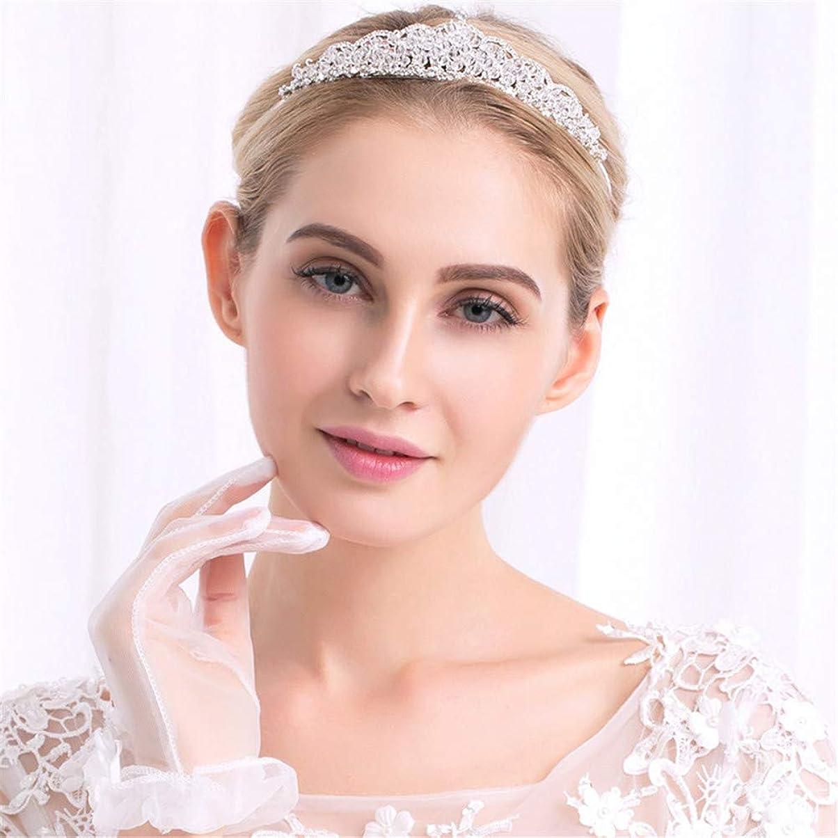 キャラバン救急車鉛ラインストーンクラウンとティアラの結婚式の花嫁ティアラクイーンラインストーンクリスタルクラウンブライダルヘアジュエリーヘッドの装飾