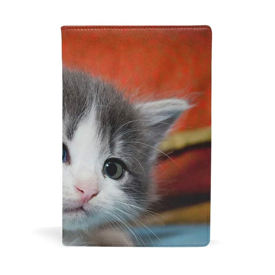 スノーケルミリメートル反響する可愛い猫 2 ブックカバー 文庫 a5 皮革 おしゃれ 文庫本カバー 資料 収納入れ オフィス用品 読書 雑貨 プレゼント耐久性に優れ