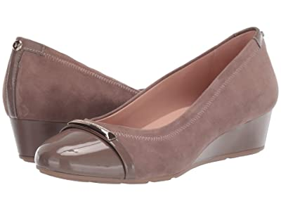 Taryn Rose Pearl (Terra Taupe Suede/Patent) Women