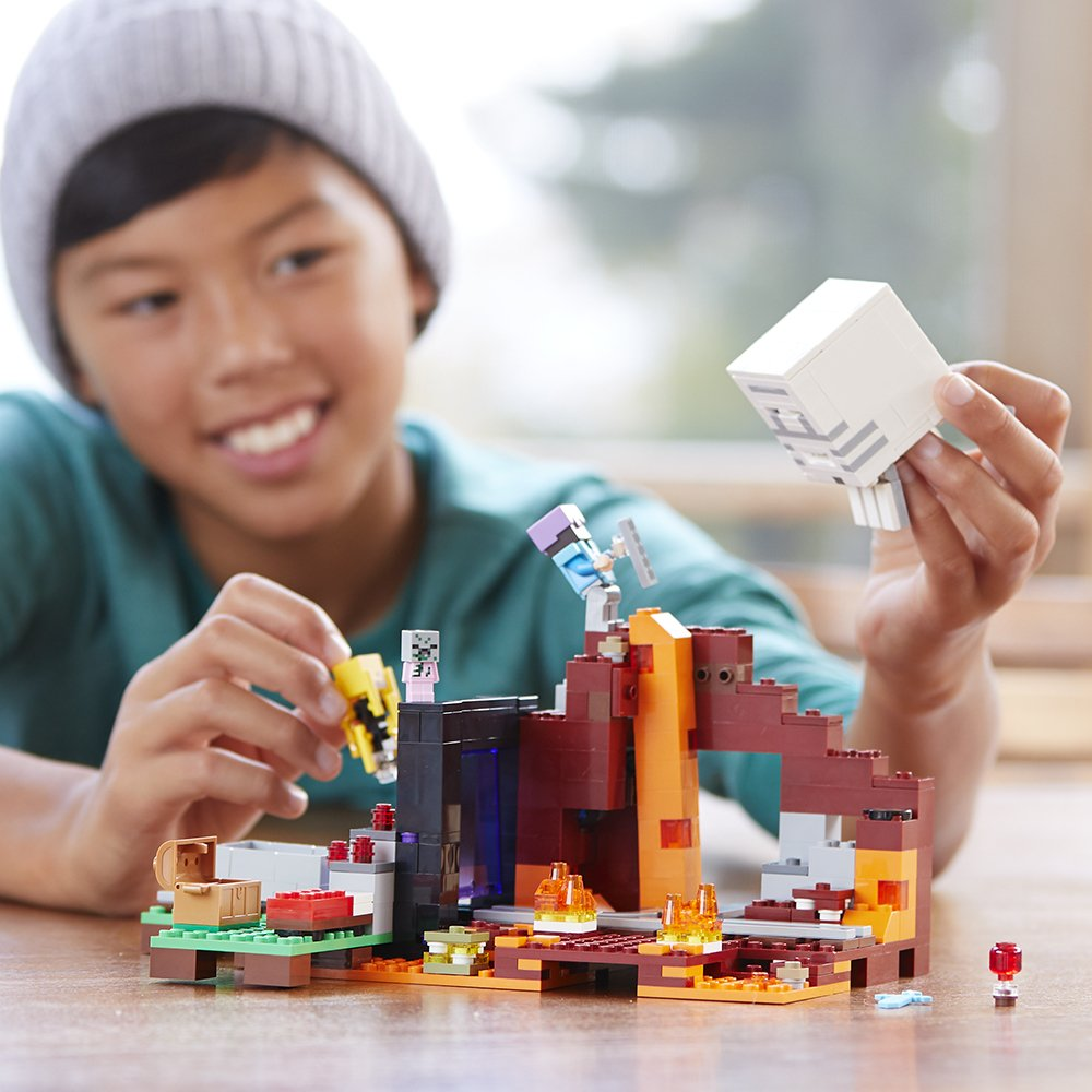 LEGO Minecraft The Nether Portal 10 Building Kit (10 Piece